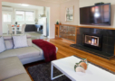 Lake Wendouree accommodation apartment 2 lounge & dining